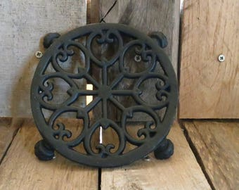 Cast Iron Round Pot, Kettle Trivet, Star, Heart Design