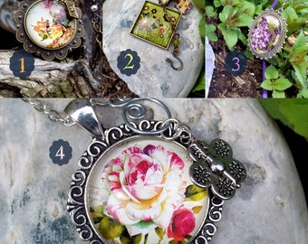 Beautiful necklaces with cabochons flowery, the celebration of spring. A nice big glass cabochon.