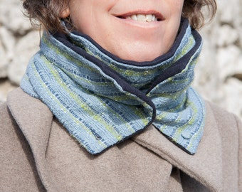 WOMEN'S SCARF with green and blue stripes