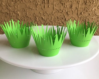 Green Grass Cupcake Wrappers, Party Decor, Easter Wrapper, Set of 12