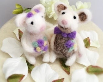 Hand-Felted Mouse Bride and Groom Wedding Cake Topper/ Gift