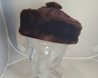 Vintage 40s Ladies Mouton Hat