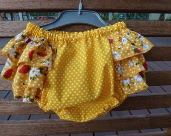 Cutie Pants! Ruffled Bubble Bloomers. Frilly Nappy cover. Size 6 months. Cotton