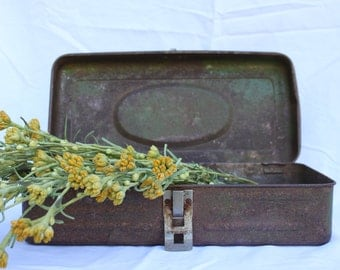 Vintage Union tool box/Vintage industrial tool box