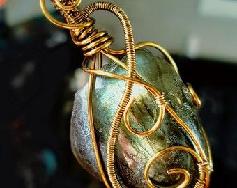 Handmade Labradorite Crystal Pendant ~ Healing & Meditation ~ Protection, Transformation, Higher Conciousness