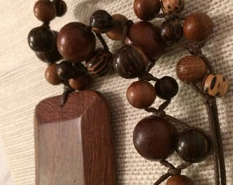 Wood Twisted and Knotted Beaded Necklace