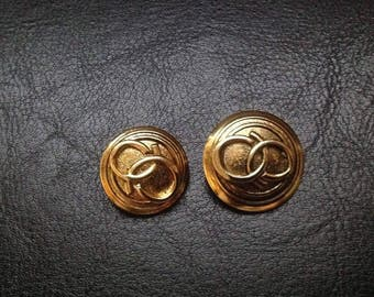 """Vintage aged metal buttons with relief """"fashion"""""""