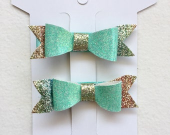 Mini Green rainbow clips