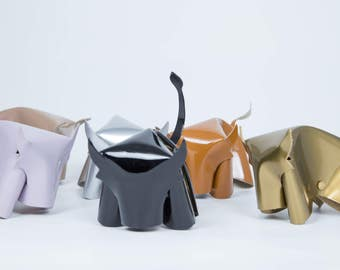 "Toro ""origami"" do-it-yourself leather!"