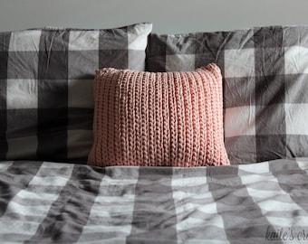 So Pretty In Pink Pillow Pattern / Crochet Pattern / Pillow Pattern / Crochet Pillow