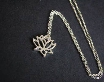 silver tone lotus blossom necklace