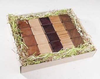 Wooden cubes from 5 breeds