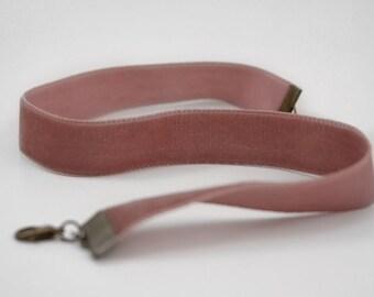 Mauve pink velvet choker