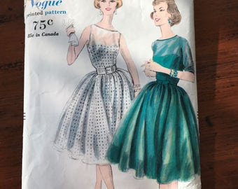 Vintage Vogue 'Printed' Pattern - One Piece Dress - 1959 - Size 12, Bust 32, Hip 34