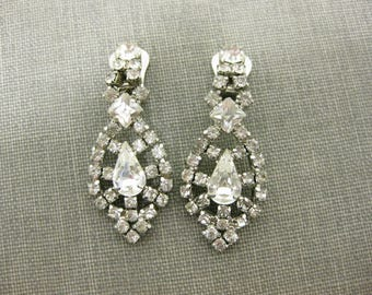 La Rel Vintage Rhinestone Drop Clip On Earrings