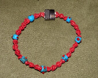 B7  Macrame bracelet with Lampwork beads with a magnetic clasp.