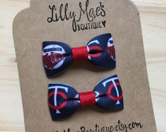 Minnesota Twins inspired mini bow, Mini Tuxedo Hair Bows, baby & toddler hair clip, mini bow