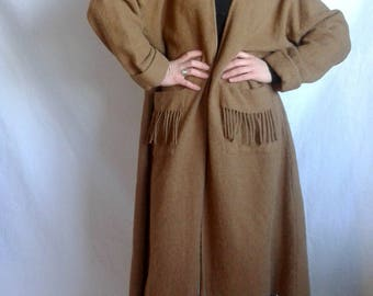 Poncho Laurence Tavernier, Made in Paris, 55 alpaca 45 wool, Camel