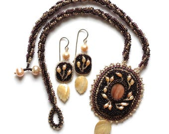 Beaded pendant necklace Jewelry set  Beaded Necklace with pearls Beaded jewelry Bead embroidered jewelry Beaded earrings included Pearls set