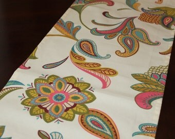 "Table runners Savannah Paisley Cream fabric 72"" x 12""."