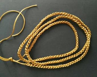 Collana / Girocollo / Cintura abiti medievali e moderni, bracciale, cintura - filo di raso. Fatto al uncinetto. Fatto a mano. Acesorio moda