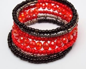 Red, Memory Wire Bracelet, Red and Black, Gift, Jewelry, Seed Bead, Red Crystal, Birthday Gift, Fashion Jewelry, Mothers Day