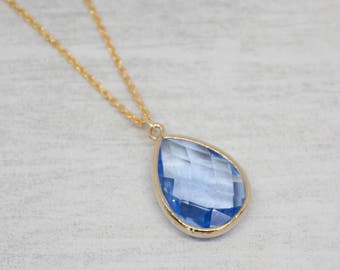 Yellow gold necklace drop blue