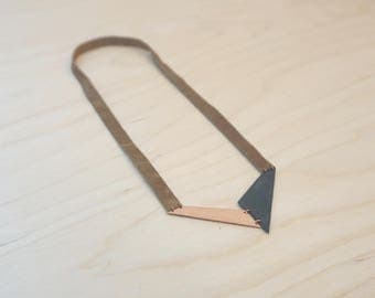 Handmade necklace (V05) in oxidised copper and leather