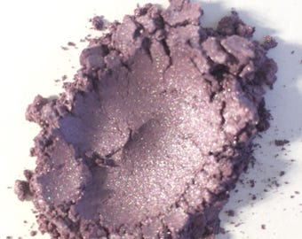 Natural Mineral Makeup Eyeshadow. Shimmery sparkle
