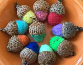Handmade Felt Acorns, Set of 10, Acorn Decorations, Felt Decor, Waldorf Education, Natural Fall Decoration, Needle Felted Acorns