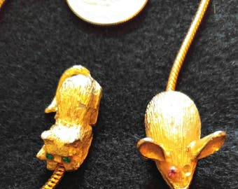 Cat & Mouse Gold Tone Chain Bookmark
