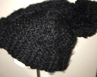 black slouchy cable knit hat