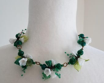 1950's glass flower necklace