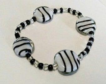 Black and White Glass Bracelet