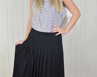 Vintage skirt, black skirt pleated classic, woolen skirt, Country Casuals, Made in Great Britain
