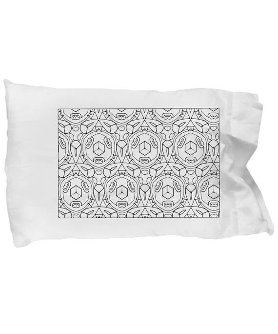 Coloring Pillowcases with Washable Fabric Markers. Circles and