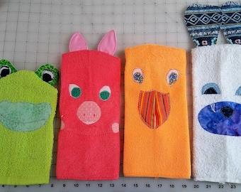 Adorable children's animal friends wash mitts.  Primitive craft