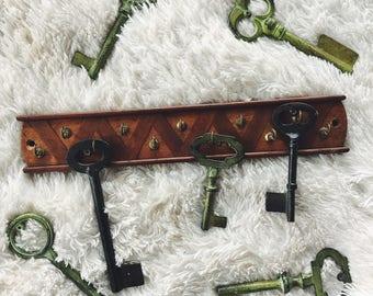 key holder / necklace hanger / jewelry holder / key hanger / wooden key hanger / wooden necklace hanger