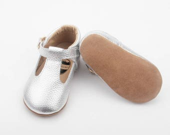 Baby shoes / Mary Janes / baby moccs /leather moccasins / baby moccassins / silver baby shoes / t-bar