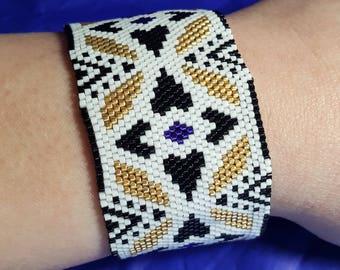 Peyote with Miyuki Delicas 11/0 beads woven bracelet