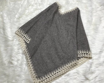 Handmade Wool Blend Crochet Poncho Jacket Gray Size Small - Medium Vintage