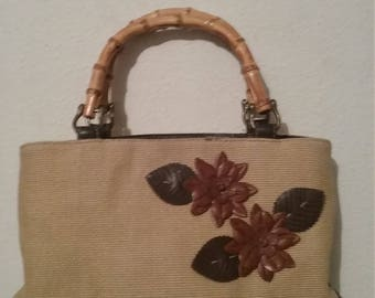 Vintage  liz Claiborne  straw style with bamboo  handles
