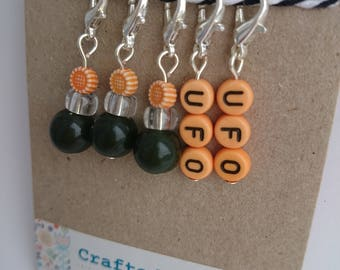 Orange UFO & glass beads crochet stitchmarkers. Progress keepers. Knitting. Handmade. Silver plated. Deep green. Flower. Un-Finished Object.