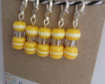 Yellow striped glass bead crochet stitchmarkers. Progress keepers. Knitting. Yarn marker. Handmade. Silver plated. Clear plastic.