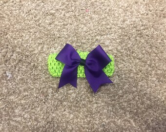 Solid color bow