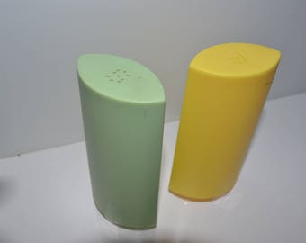 Vintage Retro Salt And Pepper Shakers Green And Yellow