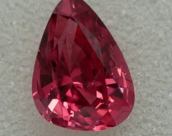 Red Spinel - Spinel Rouge