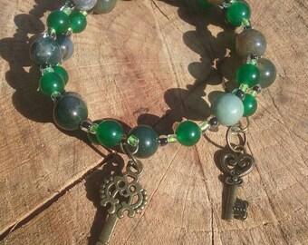 Boho hippy bracelet. Glass and stone beads. 6 inch. Memory wire.