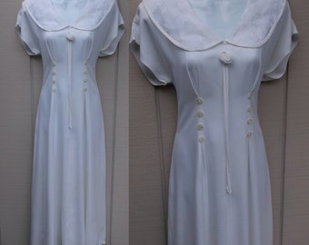 80s Vintage White Tie-Back Dress by Nina Piccalino w/ embroidered Lace Collar / Sunday Church Bridal Dress // Sz Med