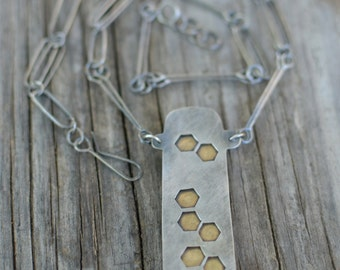 honeycomb reversible handmade chain necklace - agua nueva agate and sterling silver & brass